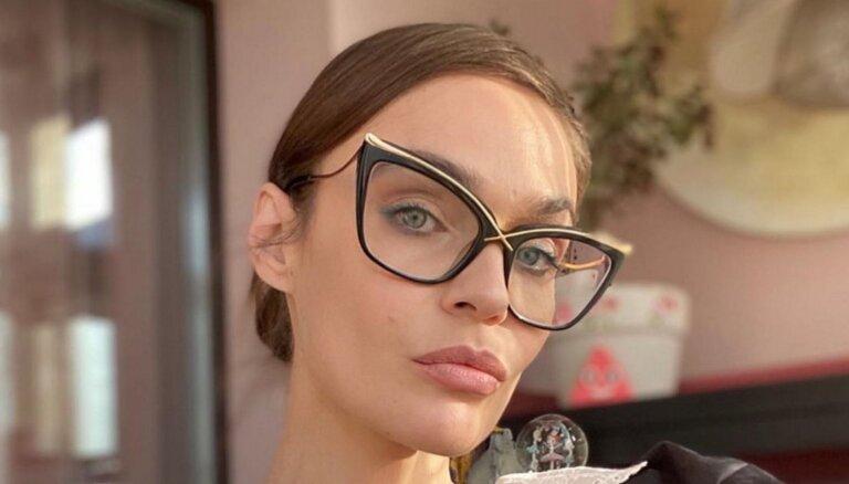 """Экс-звезда """"Дом-2"""" обвинила Елену Малышеву в распространении лжи о коронавирусе"""