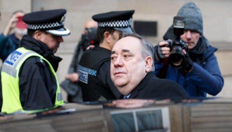Skotijas ekspremjers apsūdzēts par seksuālu uzmākšanos