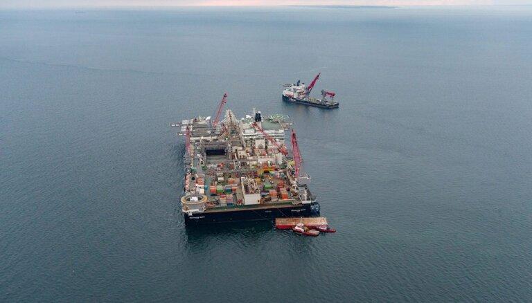 """Крупнейшее в мире судно-трубоукладчик приступило к укладке """"Северного потока — 2"""" в Финляндии"""
