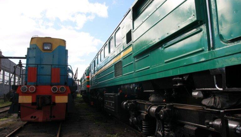 Krievijas rubļa krišanas dēļ 'Daugavpils lokomotīvju remonta rūpnīcā' iespējama darbinieku atlaišana