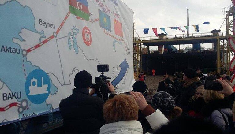 """Украина запустила первый поезд по """"Шелковому пути"""" в обход России"""
