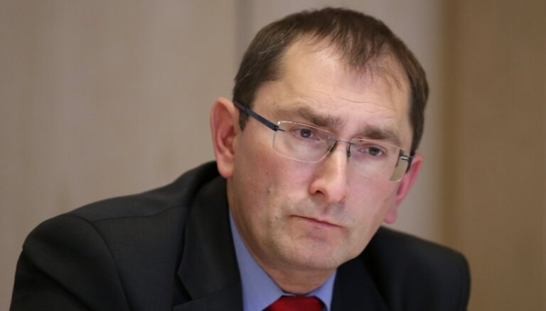 Министр сообщения допускает ликвидацию Pasažieru vilciens из-за закупки электричек