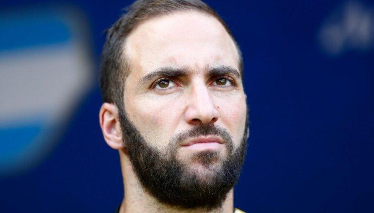 Mediji: 'Juventus' vienojušies ar 'AC Milan' par Igvaina pāreju