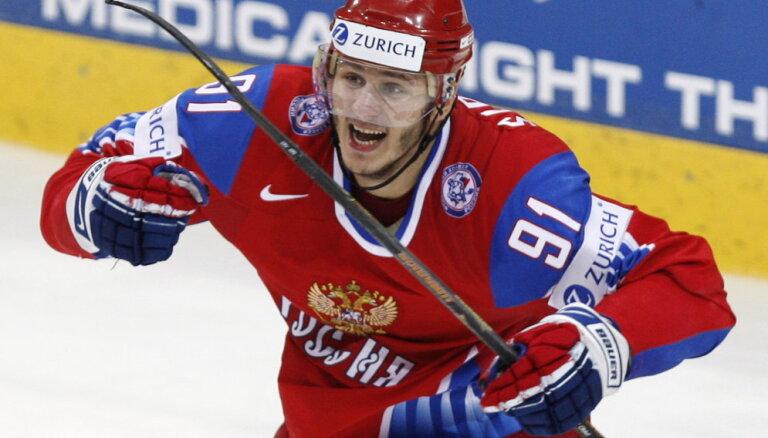 Чемпион мира из России ударил стюардессу во время пьяного дебоша в самолете