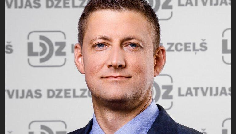 В управляющие Рижским портом выдвинули председателя совета LDz Зелтиньша