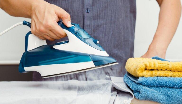 Tīrīt gludekli ar paracetamolu: padomi mājas solī, kad klasiskie varianti nelīdz