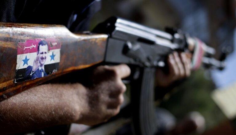 ASV komandieri vēlas atstāt Sīrijā ievestos ieročus kurdiem