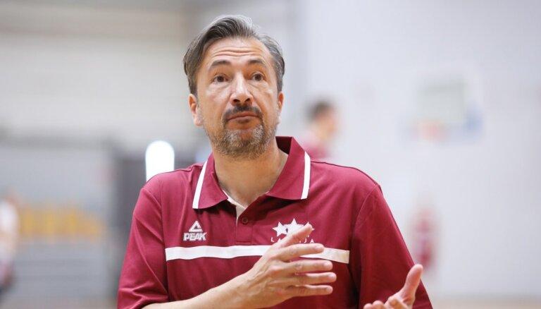 Latvijas basketbola izlase trenera Banki debijā tiekas ar Poliju