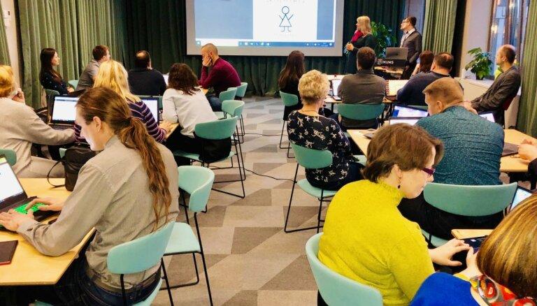 Skolotāji no visas Latvijas mācās programmēt tiešsaistes čatu