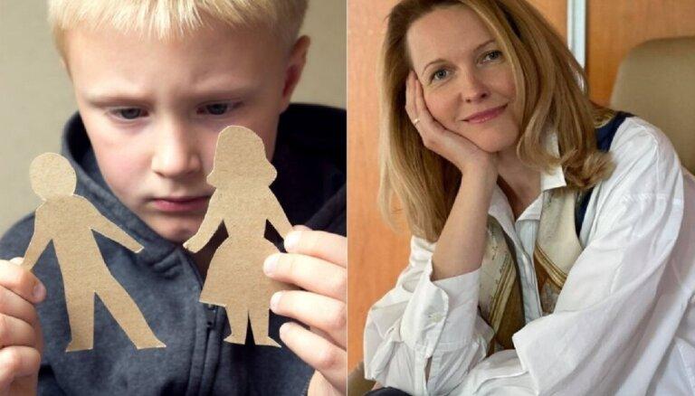 Vecāku šķiršanās vienmēr sāpinās arī bērnu. Kā palīdzēt notiekošo pārdzīvot