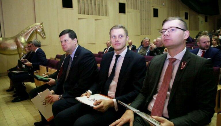 Nacionālā apvienība liek Gerhardam virzīt likumprojektu par Rīgas domes atlaišanu