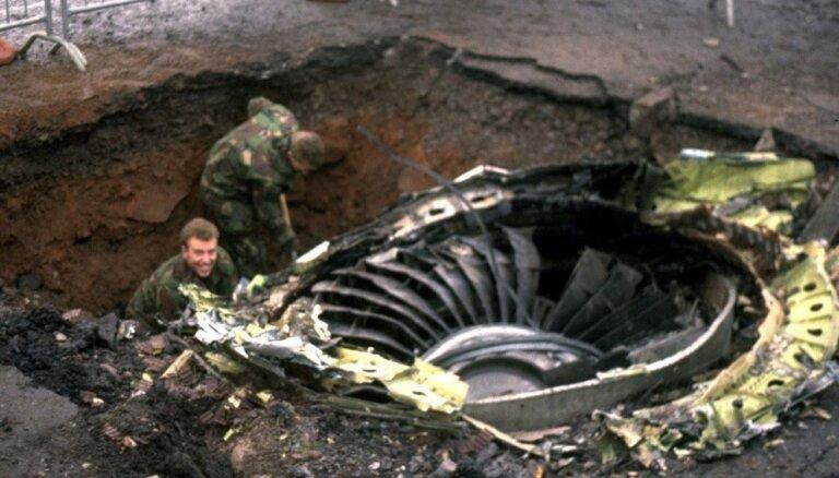 Lokerbijas traģēdijai 30: pār Skotijas pilsētiņu nokrita 'Boeing' un 259 cilvēki