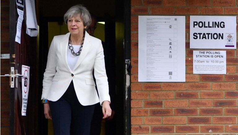 Vēl viens 'Brexit' referendums nodarīs 'nelabojamu kaitējumu', grasās paziņot Meja
