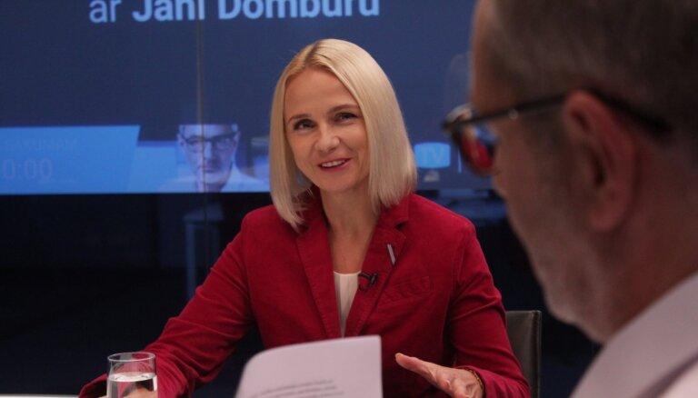 'Delfi TV ar Jāni Domburu' atbild FKTK vadītāja amata kandidāte Santa Purgaile. Pilns ieraksts
