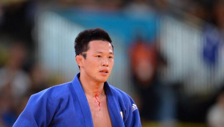 Par seksuāla rakstura uzbrukumu arestēts olimpiskais medaļnieks džudo Kičuns
