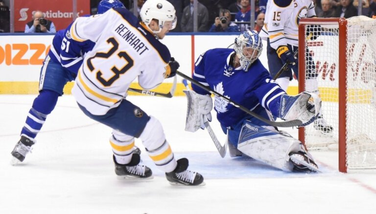 'Sabres' bez savainotā Girgensona pieveic 'Maple Leafs'