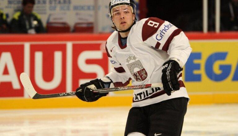 Latvijas hokejistiem arī otrajā mačā neizdodas izrādīt pretestību Somijai