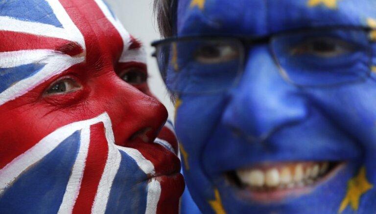 Lielbritānijas parlamenta spīkers piekrīt trešā balsojuma rīkošanai par 'Brexit' vienošanos