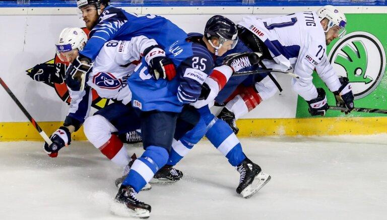 Somijas hokejisti ar uzvaru nostiprinās Košices grupas pirmajā vietā