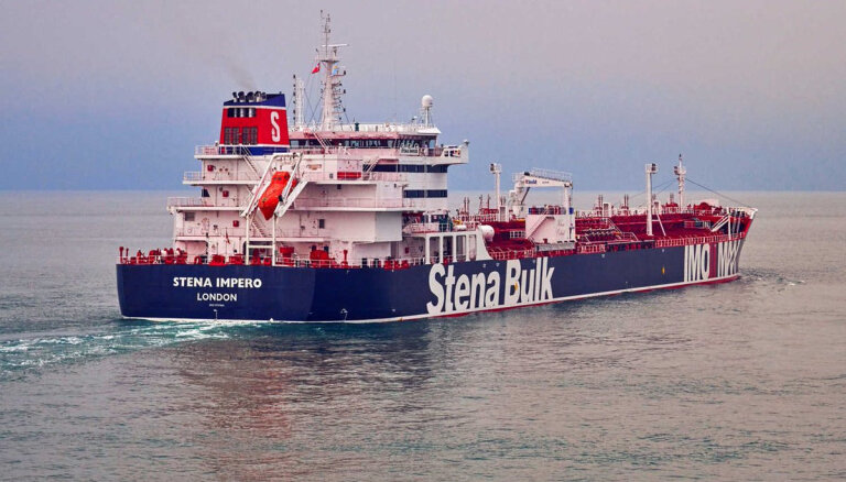 На борту захваченного Ираном танкера находится латвийский моряк