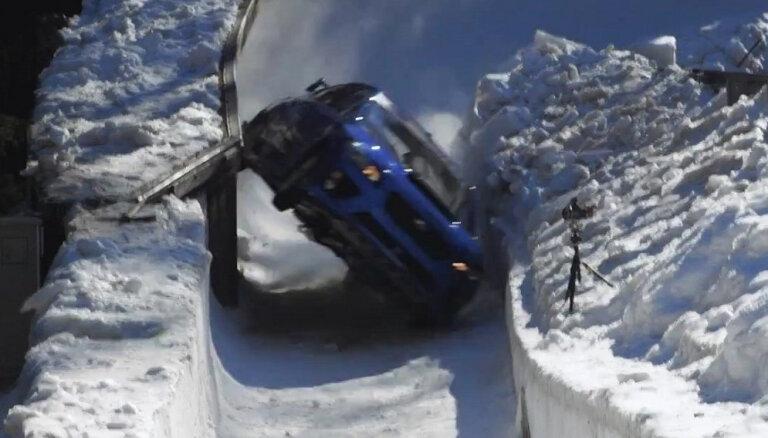 'Subaru' publicējis video ar rallija auto braucienu pa bobsleja trasi