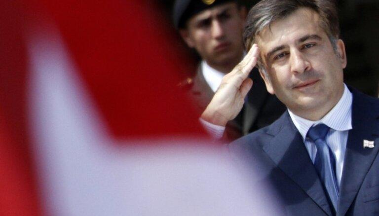Саакашвили призывает грузин отделить себя от Путина