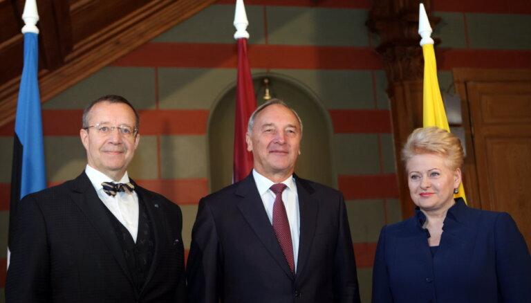 Trīs prezidenti - amerikānis, Krievijas ienaidniece un paužu meistars