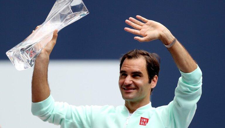 Федерер выиграл битву чемпионов Майами и подтянулся к рекорду великого Коннорса