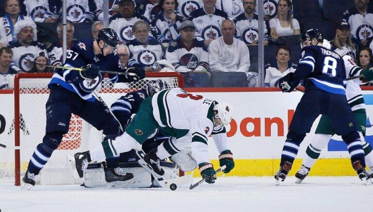 'Jets' 'sausā' sagrauj 'Wild' un pirmo reizi pārvar Stenlija kausa pirmo kārtu