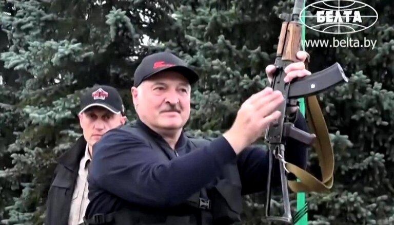 В Беларуси разрешили привлекать армию к борьбе с протестами