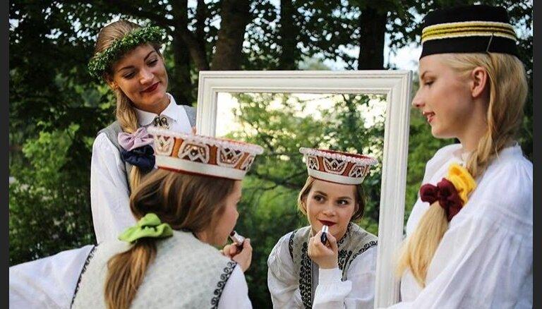 Готовимся к Лиго: летняя шляпа как альтернатива праздничному венку