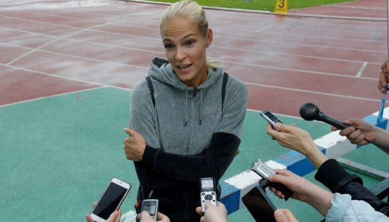 Olimpisko atļauju saņēmušo vieglatlēti Darju Klišinu Krievijā sauc par nodevēju