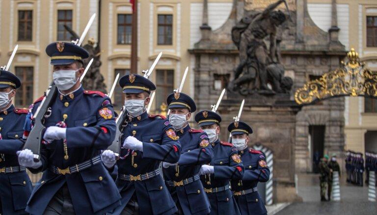 Čehija pirmdien atvērs robežas gandrīz visu ES valstu pilsoņiem