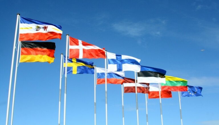 """Берзиньш: с созданием """"европейской федерации"""" спешить не стоит"""