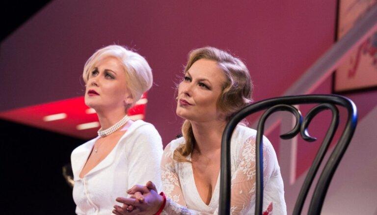 Ar izrādi '8 mīlošas sievietes' Dailes teātris viesosies Ventspilī