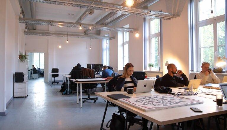 Foto: Rīgā atklāj 'Jaunuzņēmumu māju' – atbalsta punktu tehnoloģiju interesentiem
