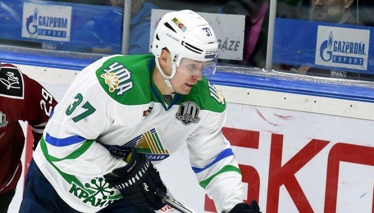 Bārtulis un vēl četri hokejisti pamet 'Salavat Julajev'