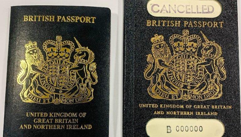 С марта британцам будут выдавать паспорта с обложками нового цвета