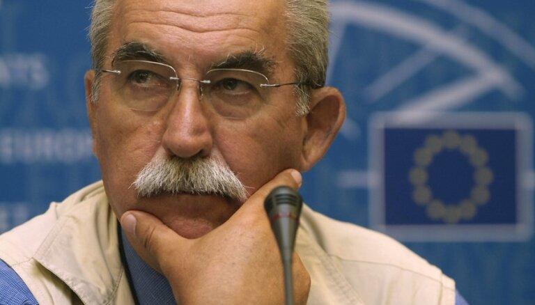 Умер итальянский журналист Джульетто Кьеза, который был латвийским кандидатом в Европарламент