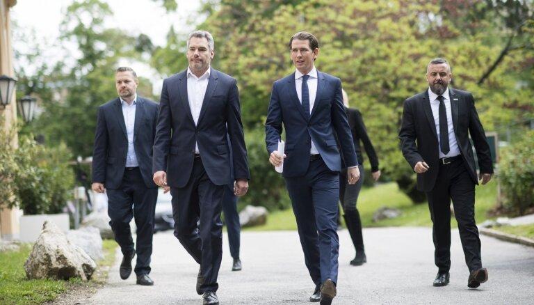 Austrijas Brīvības partijas ministri paziņojuši par gatavību demisionēt