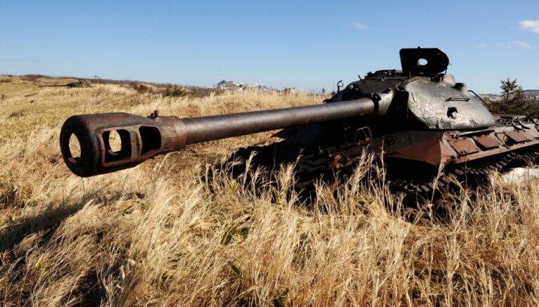 Krievija Japānai atņemtajās Kuriļu salās izvietos karavīrus