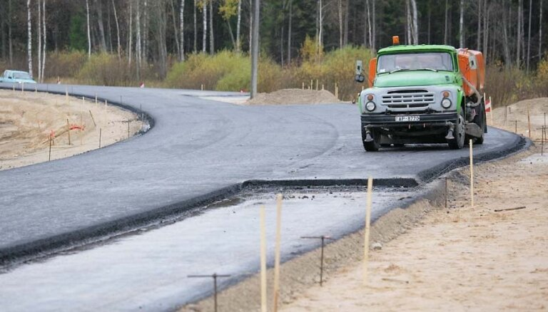 Sākas būvdarbi uz Tallinas šosejas posmā no Salacgrīvas līdz Ainažiem; ierobežo ātrumu