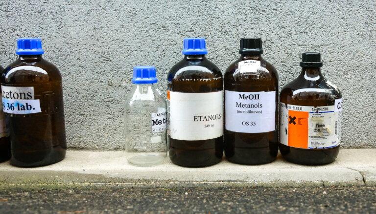 В Земгале обочины дорог были залиты ядовитой жидкостью, преступник задержан