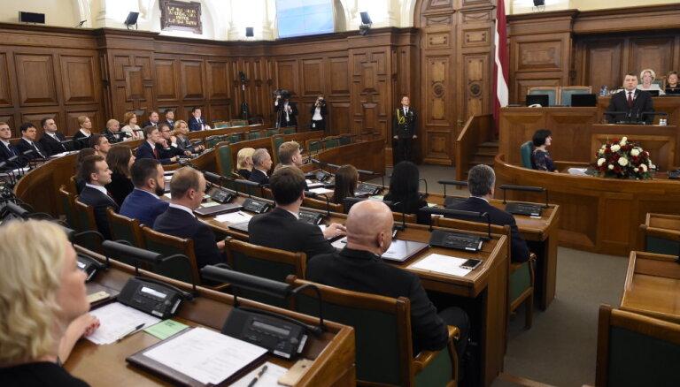 Сейм утвердил мандаты восьми новых депутатов, заменивших в парламенте министров