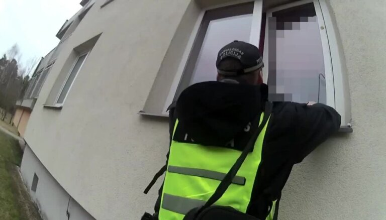 Video: Rīgā māte pamatīgā reibumā atsakās nākt pakaļ bērnam uz skolu
