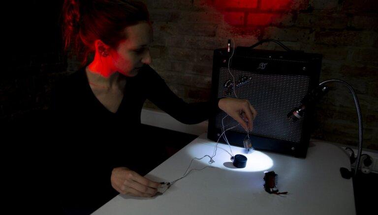 Galerijā RIXC atklās mākslinieces Paulas Vītolas izstādi