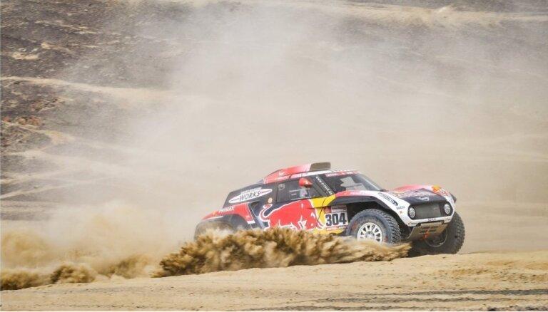 Peteransels uzvar vēl vienā Dakaras rallija ātrumposmā