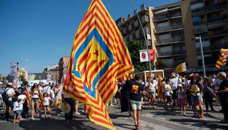 Spānijas sociālisti nekad nepieļaus referendumu par Katalonijas neatkarību, sola Sančess