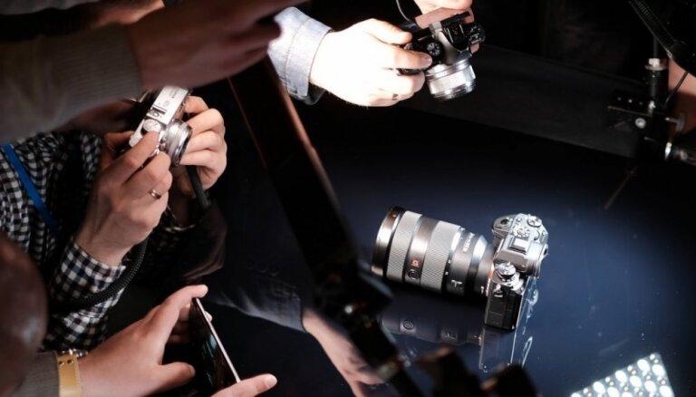 'Sony' bezspoguļa fotokameru flagmanis 'α9'