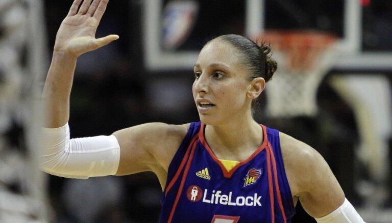 Klubs maksā basketbolistei, lai viņa nespēlētu WNBA